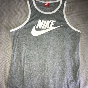 Men's Nike tank top size (L)